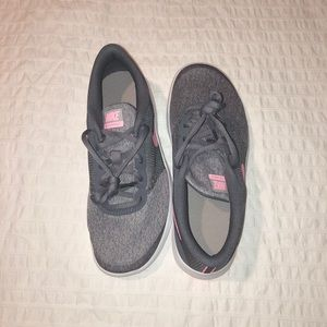 NWT Nike running shoes